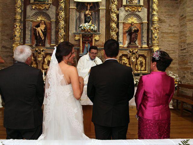La boda de Loli y César  en San Pedro De Olleros, León 51