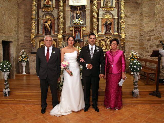 La boda de Loli y César  en San Pedro De Olleros, León 53