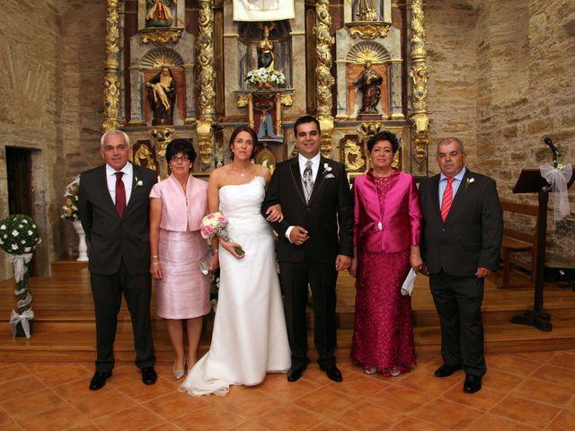 La boda de Loli y César  en San Pedro De Olleros, León 54
