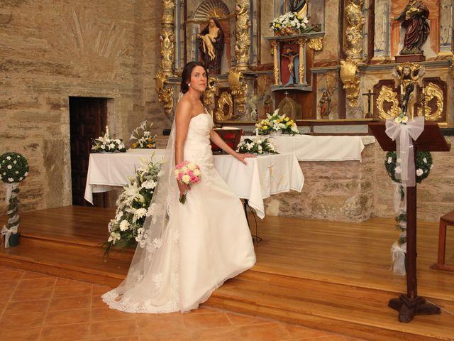 La boda de Loli y César  en San Pedro De Olleros, León 56