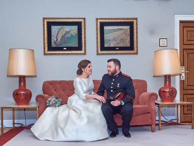 La boda de Maykel y Belén en Oviedo, Asturias 23