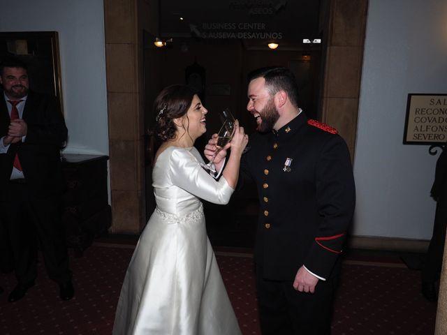 La boda de Maykel y Belén en Oviedo, Asturias 25