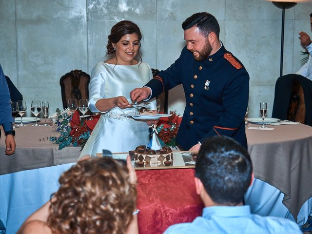 La boda de Maykel y Belén en Oviedo, Asturias 37