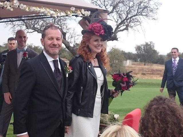La boda de Luis  y Julia  en Talayuela, Cáceres 6