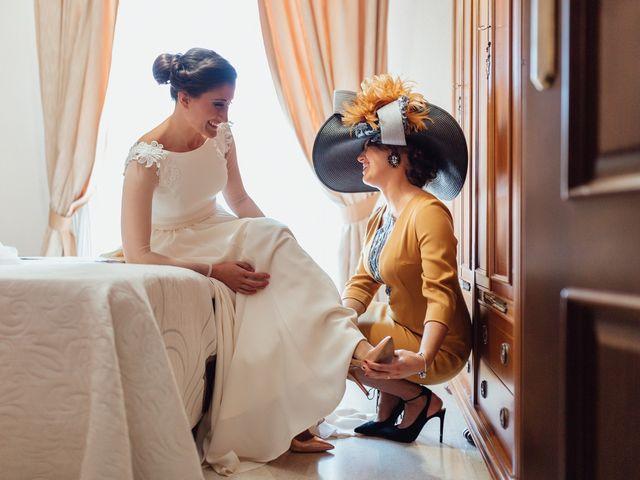 La boda de Fran y Marta en La Puebla Del Rio, Sevilla 17