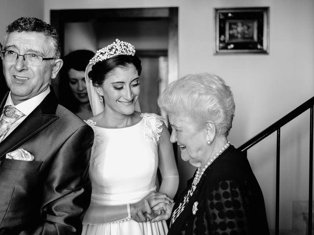La boda de Fran y Marta en La Puebla Del Rio, Sevilla 24