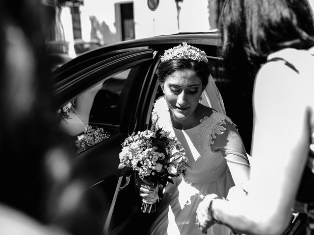 La boda de Fran y Marta en La Puebla Del Rio, Sevilla 32