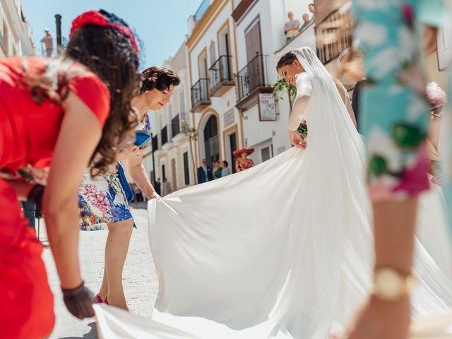 La boda de Fran y Marta en La Puebla Del Rio, Sevilla 33