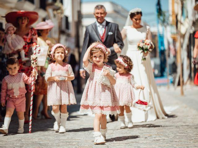 La boda de Fran y Marta en La Puebla Del Rio, Sevilla 35