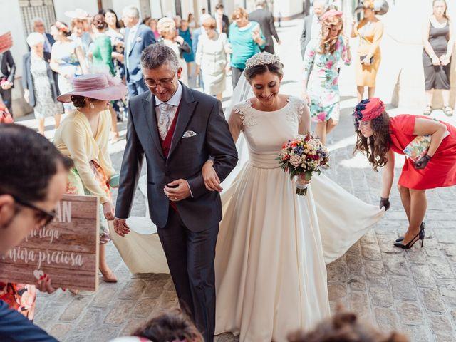 La boda de Fran y Marta en La Puebla Del Rio, Sevilla 36