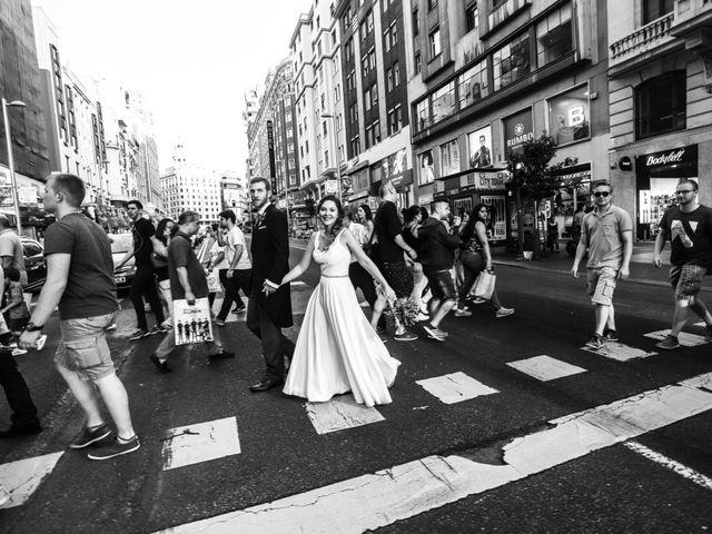 La boda de Daniel y Amanda en Madrid, Madrid 32