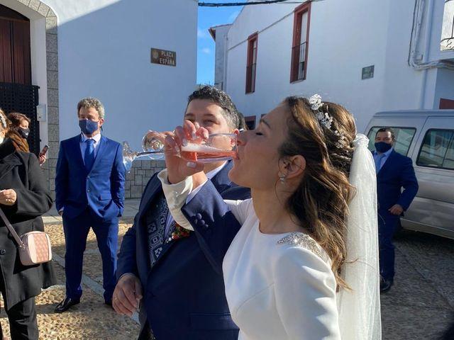 La boda de Jonathan y Rebeca en Garciaz, Cáceres 1