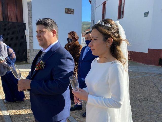 La boda de Jonathan y Rebeca en Garciaz, Cáceres 4