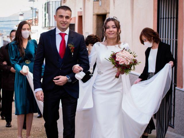 La boda de Jonathan y Rebeca en Garciaz, Cáceres 13