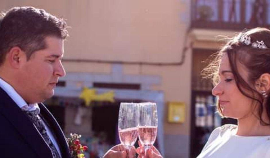 La boda de Jonathan y Rebeca en Garciaz, Cáceres
