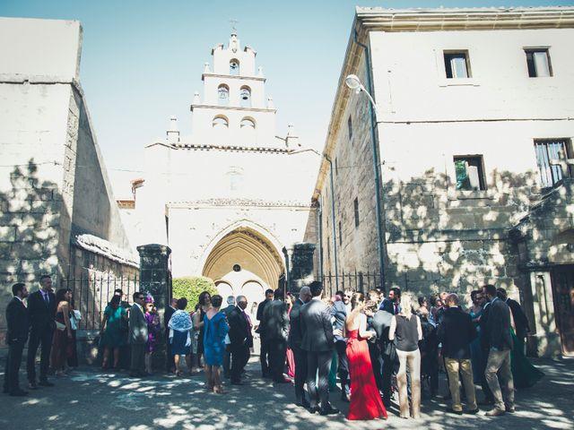 La boda de Carlos y Elena en Santa Gadea Del Cid, Burgos 11