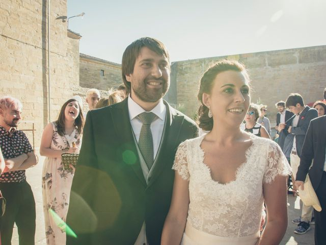 La boda de Carlos y Elena en Santa Gadea Del Cid, Burgos 22