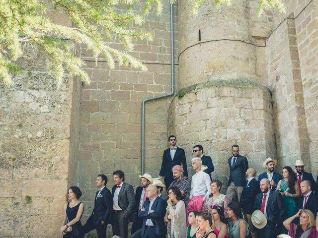 La boda de Carlos y Elena en Santa Gadea Del Cid, Burgos 28