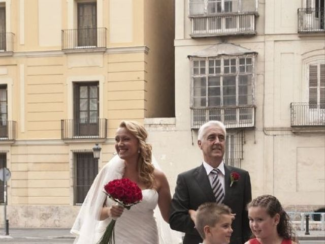 La boda de Esther y Héctor en Valencia, Valencia 6