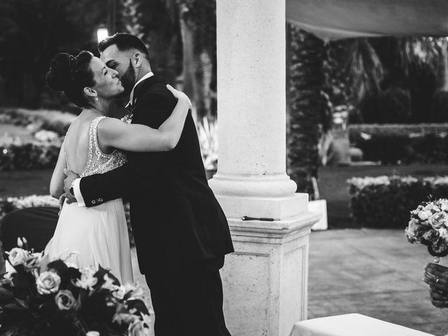 La boda de Adriano y Ana en El Puig, Valencia 36