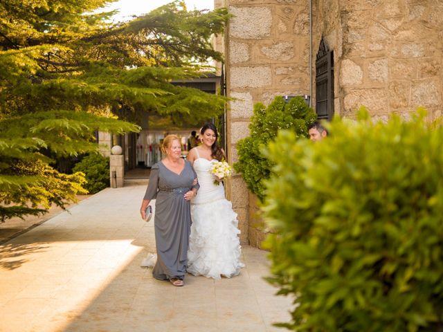 La boda de Paco y Meis en Torrelodones, Madrid 15