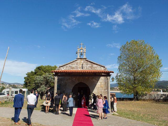La boda de Ruben y Elena en Baiona, Pontevedra 19