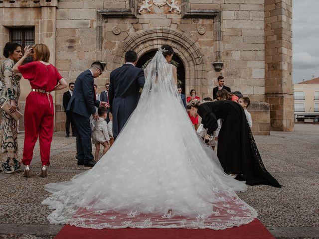 La boda de Manuel y Guadalupe en Badajoz, Badajoz 15