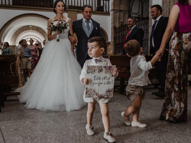 La boda de Manuel y Guadalupe en Badajoz, Badajoz 16