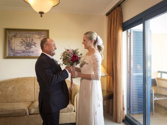 La boda de Alberto y Luz en Urbanización Campoamor, Alicante 42
