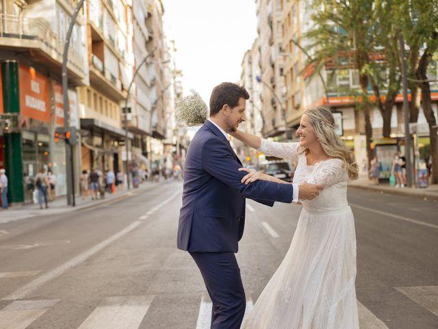 La boda de Alberto y Luz en Urbanización Campoamor, Alicante 121