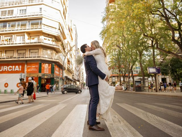 La boda de Alberto y Luz en Urbanización Campoamor, Alicante 122