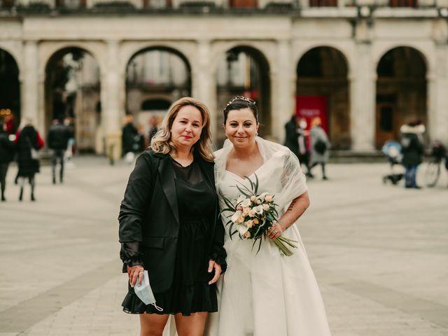 La boda de Javi y Ramona en Vitoria-gasteiz, Álava 88