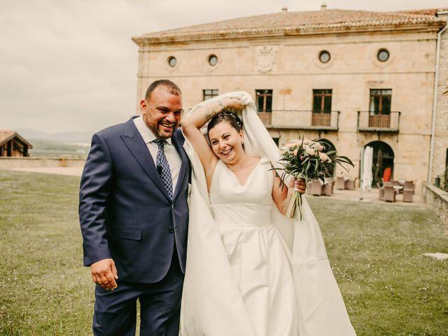 La boda de Javi y Ramona en Vitoria-gasteiz, Álava 108
