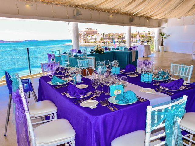 La boda de Maxi y Cris en La Manga Del Mar Menor, Murcia 31