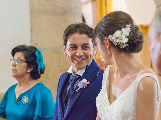 La boda de Miriam y Miguel en Santiago De Alcantara, Cáceres 20