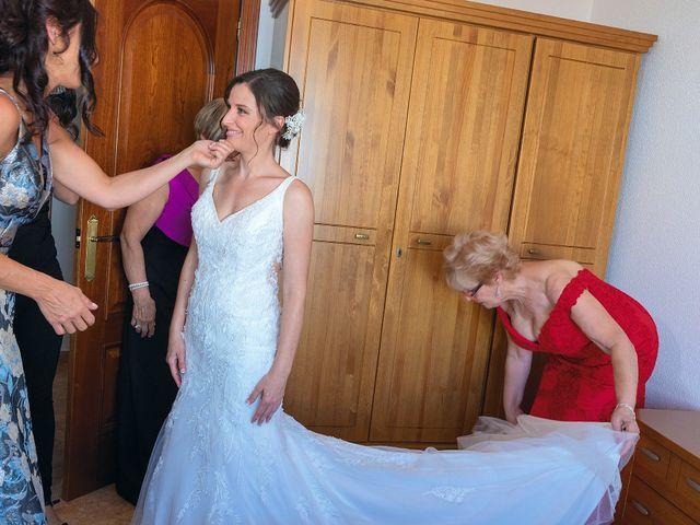 La boda de Miriam y Miguel en Santiago De Alcantara, Cáceres 10