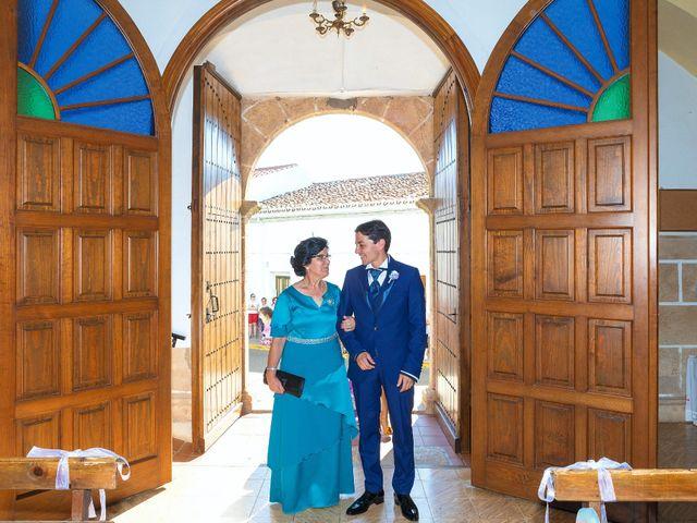 La boda de Miriam y Miguel en Santiago De Alcantara, Cáceres 14