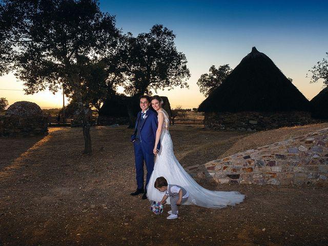 La boda de Miriam y Miguel en Santiago De Alcantara, Cáceres 2