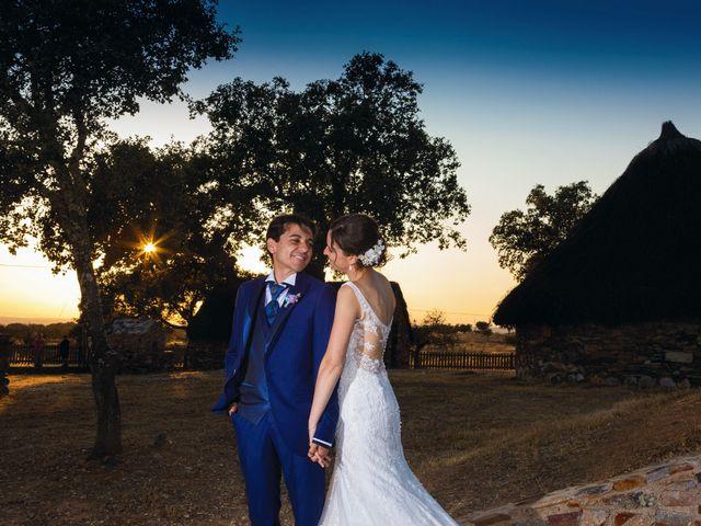 La boda de Miriam y Miguel en Santiago De Alcantara, Cáceres 22