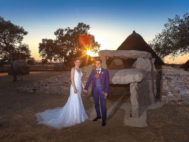 La boda de Miriam y Miguel en Santiago De Alcantara, Cáceres 27