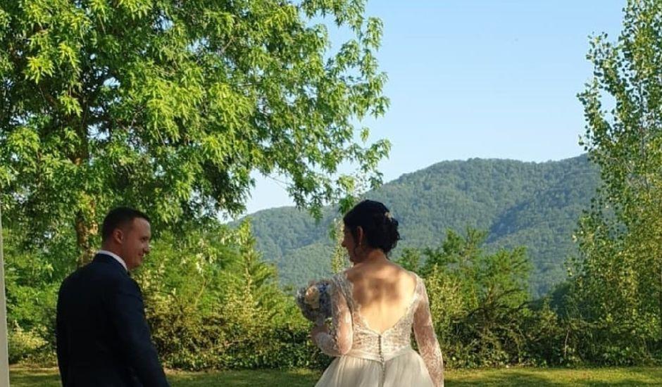 La boda de Cristian y Laura en La Vall De Bianya, Girona