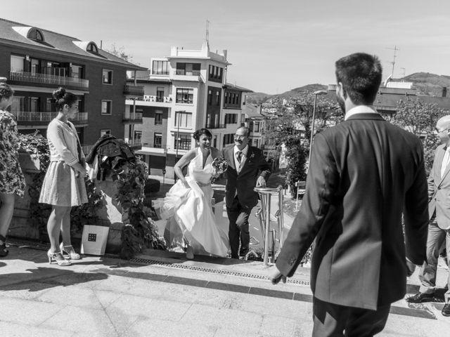 La boda de Iñaki y Tamara en Getxo, Vizcaya 15