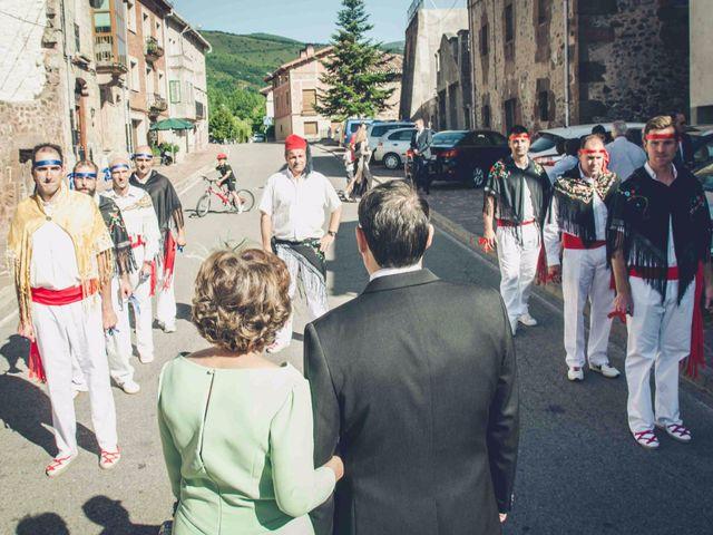 La boda de Gustavo y María José en Fresneda De La Sierra Tiron, Burgos 15