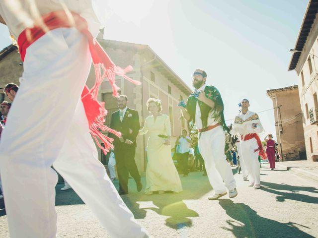 La boda de Gustavo y María José en Fresneda De La Sierra Tiron, Burgos 17