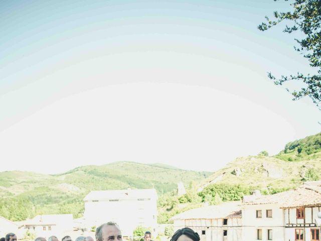 La boda de Gustavo y María José en Fresneda De La Sierra Tiron, Burgos 19