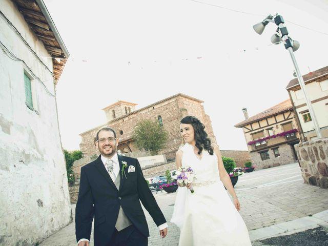 La boda de Gustavo y María José en Fresneda De La Sierra Tiron, Burgos 36