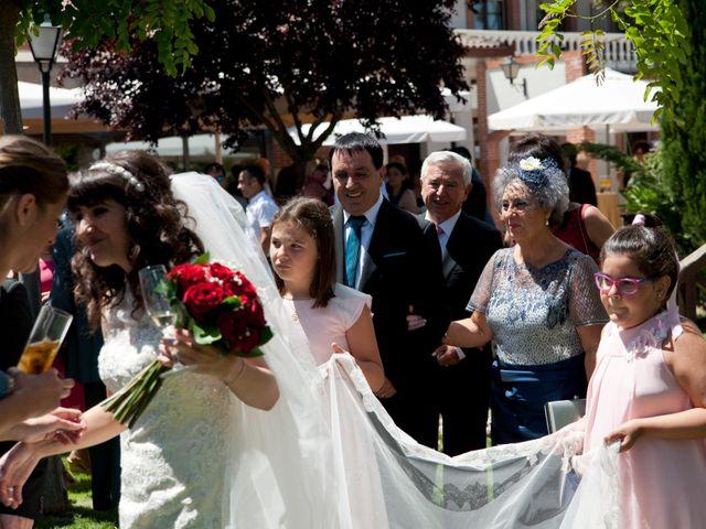 La boda de David y Elsa en Castellanos De Moriscos, Salamanca 26