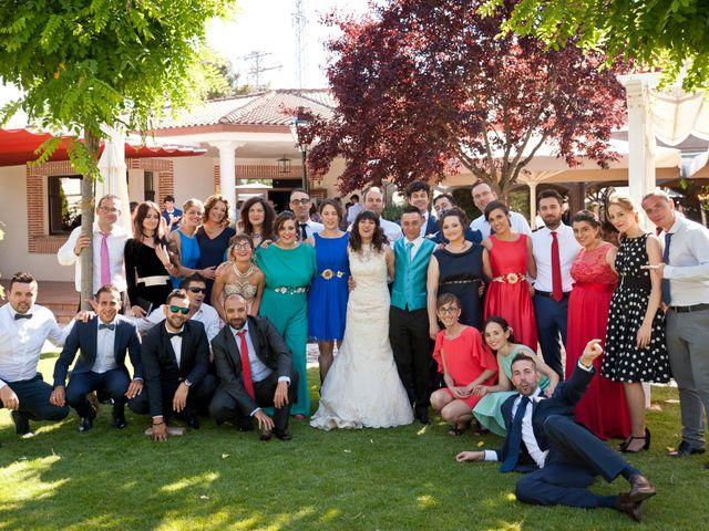La boda de David y Elsa en Castellanos De Moriscos, Salamanca 28