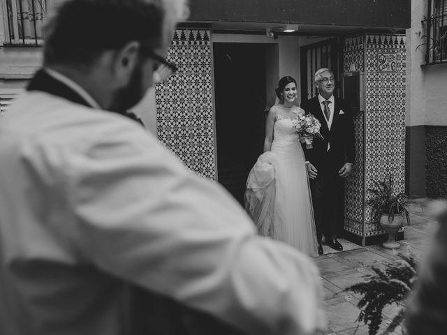 La boda de Alberto y Encarni en Alcala De Guadaira, Sevilla 42
