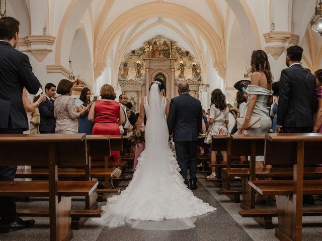 La boda de Benjamín y Yolanda en Talarrubias, Badajoz 46